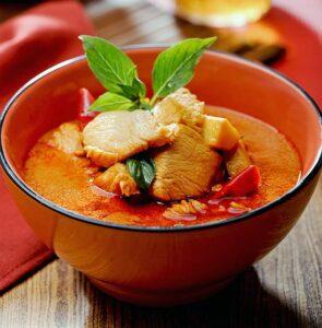 xred-curry-chicken-550x560.jpg.pagespeed.ic.fUPzcXLriQ